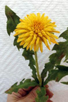 New Ideas For Flowers Bucket Handmade Wet Felting, Needle Felting, Felt Flowers, Flowers Bucket, Handmade Felt, Handmade Flowers, Handmade Ideas, Egg Carton Crafts, Dandelion Flower