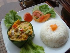 Amok trei - Cambodian fish currry, steamed and served in a banana leaf container - replace fish with tofu I Love Food, Good Food, Yummy Food, Healthy Food, Monkfish Recipes, Seafood Recipes, Cooking Recipes, Fun Recipes, Delicious Recipes