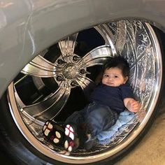 Tuckin Tuesday  Gzkids​ edition #GroundzeroisRlimit #Gzstyle #Gzshowtour #introwheels #engraving #24x15 #pirelli #performance #bagged #teachthemright #teachthemyoung #simplenclean #Colorado
