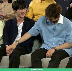 My namjin heart is fluttering Seokjin, Kim Namjoon, Hoseok, Namjin, Bts Jimin, Bts Bangtan Boy, Taehyung, Yoonmin, K Pop