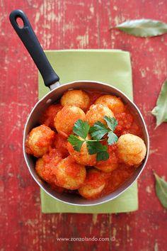 Polpette piccanti di ricotta e speck al sugo - Spicy ricotta balls with tomato sauce