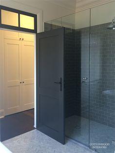 Love the dark gray subway tiles, herringbone marble floor tiles Dark Gray Bathroom, Grey Bathroom Tiles, Grey Bathrooms, Beautiful Bathrooms, Black Interior Doors, Black Doors, Interior And Exterior, Bad Inspiration, Bathroom Inspiration