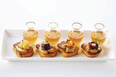 Brulée cinnamon French toast with seared fois gras with Antolino Brongo Cryomalus ice cider. #fingerfood #shopfesta   Photo: Ryan Szulc Photography for BizBash