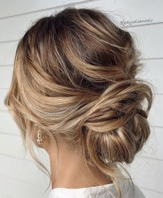 44 Messy updo hairstyles – The most romantic updo to get an elegant look 44 Romantic Messy updo hairstyles for medium length to long hair - messy updo hairstyle for elegant look, hairstyle ideas , updo, wedding updo hairstyle ,textured updo Up Dos For Medium Hair, Medium Hair Styles, Long Hair Styles, Medium Length Updo, Hairstyles Medium Length Hair, Hairstyle For Medium Length Hair, Casual Updos For Medium Hair, Medium Length Bridal Hair, Updos For Medium Length Hair Tutorial