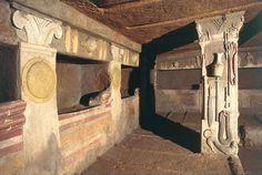 Tomba dei Rilievi este un mormânt tumular etrusc datând din secolul IV î.e.n., descoperit în necropola Banditaccia din Cerveteri. Inscripțiile indică faptul că mormântul a aparținut familiei de Matuna. În interior, toate uneltele şi obiectele menite să însoţească persoanele decedate în viaţa de după moarte, sunt reprezentate în relief pe suprafaţa pereţilor, iar frescele sunt bine conservate. Home Decor, Decoration Home, Room Decor, Home Interior Design, Home Decoration, Interior Design