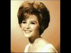 Brenda Lee, I had my hair done like this for school. Headmistress was not amused because I wouldn't wear my beret because it would flatten my hair! Country Artists, Country Singers, 60s Music, Solo Music, Brenda Lee, American Bandstand, Country Music Stars, Beautiful Songs, Beautiful People
