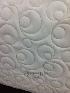 Ideas for hand quilting designs log cabins Patchwork Quilting, Patchwork Log Cabin, Quilting Stitch Patterns, Modern Quilting Designs, Machine Quilting Patterns, Quilt Stitching, Quilt Patterns, Quilts, Longarm Quilting