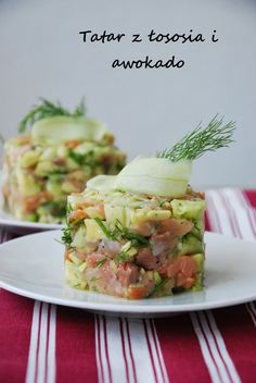 Salmon tartare with avocado and dill added (in Polish with translator); this would work using the vegan tuna tartare recipe Appetizer Salads, Appetizers, Tartare Recipe, Ceviche, Gourmet Food Plating, Salmon Y Aguacate, Gourmet Recipes, Healthy Recipes, Gourmet Foods