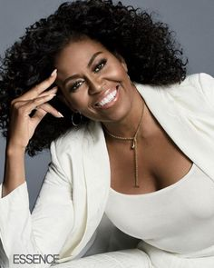 Michelle Obama Shows Off Her Natural Curls On The Cover Of Essence Michelle Et Barack Obama, Barack Obama Family, Michelle Obama Fashion, Michelle Obama Hair, Natural Hair Tips, Natural Curls, Natural Hair Styles, Black Girls Rock, Black Girl Magic