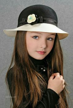 New Season Picking up Laura Biagiotti hats for your Dolls! Cute Little Baby Girl, Cute Baby Girl Pictures, Beautiful Little Girls, Beautiful Children, Beautiful Babies, Pretty Kids, Cute Kids, Young Models, Child Models