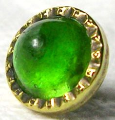 ANTIQUE GILT BRASS GENT'S WAISTCOAT BUTTON w/KIWI GREEN VASELINE GLASS JEWEL