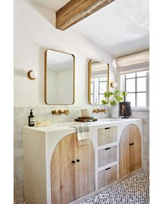 """Vivian Johnson on Instagram: """"This gorgeous bathroom remodel was featured in this month's @dominomag Design and styling by @ericajohnstondesign 📷 @vivianjohnsonphoto…"""" Marble Tile Bathroom, Hand Hewn Beams, Artistic Tile, Oak Doors, Marble Floor, Reno, Wainscoting, Wall Treatments, Bathroom Inspiration"""
