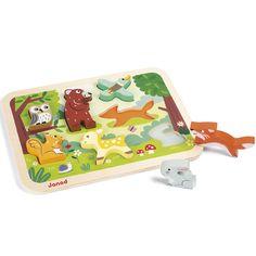 Avec le puzzle à encastrement Chunky Forêt de la marque Janod l'enfant s'amusera à positionner les animaux à la bonne place et jouer avec les pièces comme de vraies figurines. Un jeu qui permet de développer la motricité et l'imagination des tout-petits.