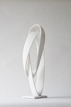 Gianpietro Carlesso, Curvatura Ventuno, 2013, lasa marble, 77 x 25 x 25 cm.3