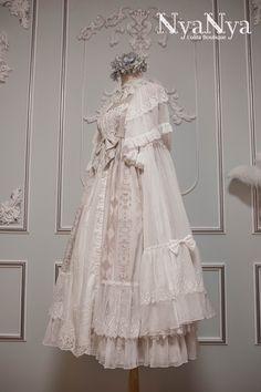 NyaNya Lolita -Carol of the Nightingale- Lolita Outlayer Dress - Round 2 Preorder Royal Dresses, Lovely Dresses, Vintage Dresses, Vintage Outfits, Vintage Fashion, Kawaii Dress, Kawaii Clothes, Kawaii Fashion, Lolita Fashion