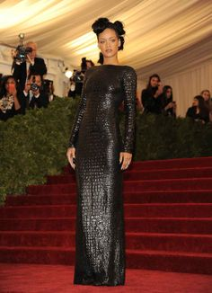 At The Met Ball Rihanna chose a backless crocodile dress from the Tom Ford autumn/winter 2012 range. Rihanna Swag, Rihanna Style, Rihanna Riri, Rihanna Red Carpet, Costume Institute, Fashion Gallery, Celebs, Celebrities, Red Carpet Fashion