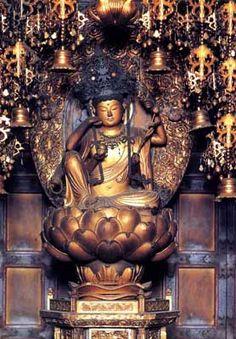 那智山青岸渡寺 如意輪観世音菩薩 Buddhist Temple, Buddhist Art, Sculpture Art, Sculptures, Mahayana Buddhism, Buddhist Philosophy, 17th Century Art, Taoism, Hindu Art