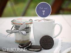 Oreo-Tassenglück – schneller Tassenkuchen oder Backmischung im Glas zum Verschenken