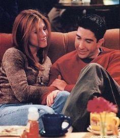 Ross & Rachel (He's her lobster) Ross E Rachel, Friends Ross And Rachel, I Love My Friends, Serie Friends, Friends Cast, Friends Show, Friends Scenes, Friends Moments, Friends Forever