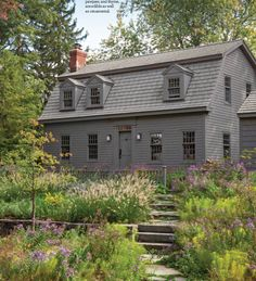 photo of primitive homes inside cave Saltbox Houses, Old Houses, Colonial House Exteriors, Colonial Architecture, New England Style Homes, Dutch Colonial, Colonial America, Exterior House Colors, Exterior Homes
