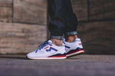 KARHU SYNCHRON CLASSIC WHITE / AUTHENTIC BLUE ... my first real sneakers, back in the days.