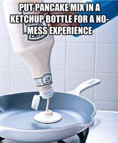 Truc: pannenkoekenmix doseren met lege ketchupfles.