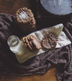 Cocoa-Cinnamon Peanut & Cookie Butter Cookies