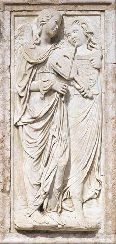 AGOSTINO DI DUCCIO Italian sculptor (b. 1418, Firenze, d. 1481, Perugia) Angels Playing a Viola 1457-61 Marble Oratorio di San Bernardino, Perugia