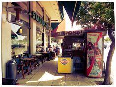 Thessaloniki (Grecia).  Sturbucks Coffee.