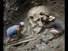 The Great Smithsonian Cover-Up: 18 Giant Skeletons Discovered in Wisconsin | World Truth.TV