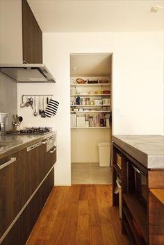 リフォーム・リノベーションの事例| キッチン パントリー Decor, House, Interior, Kitchen Cabinets, Cabinet, Home Decor, Home Kitchens, Interior Design, Kitchen Design