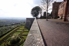Vista do alto da muralha do Castelo di Brolio