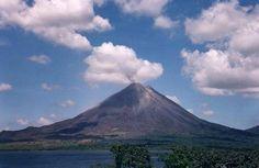 Volcán Arenal en Cos