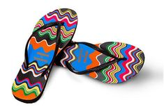 Havaianas collaborates with Missoni to make a limited-edition line of flip-flops and espadrilles. Missoni, Espadrilles, Rubber Flip Flops, Black Flip Flops, Style Pantry, Spring Sandals, Shoe Bag, Shoe Shoe, My Style