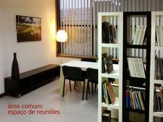 Escritório em edifício de luxo, com porteiro/segurança . Um escritório por andar, várias salas por escritório.