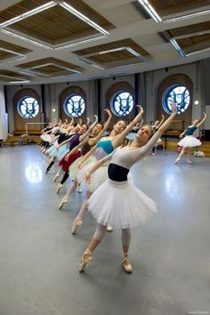 kameliendame: Dancers of the Paris Opera Ballet in rehearsal for Paquita ph… Dance Images, Dance Photos, Dance Pictures, Ballet Class, Ballet Dancers, Ballerinas, Ballet Dance Photography, Paris Opera Ballet, Dance With You