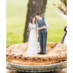 "Wedding Cake Toppers - ""Indie Style"" Wedding Couple Figurine (Customization Available)"