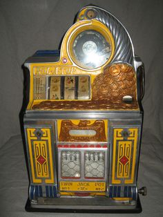 Watling original rol-a-top slot machine with venders & gold awards Jack O'connell, Pinup Art, Hot Wheels, Game Background, Zootopia, Game Design, Arcade Games, Nascar, Video Vintage