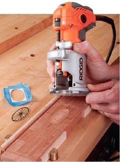 Routing Techniques: Use Trim Router to Make Flush Cut Mortising Inlays… Woodworking Tools For Beginners, Woodworking Power Tools, Essential Woodworking Tools, Antique Woodworking Tools, Carpentry Tools, Router Woodworking, Woodworking Techniques, Easy Woodworking Projects, Woodworking Shop