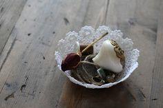 DIY: lace doily bowl