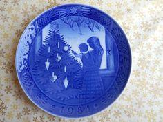 Vintage Royal Copenhagen Christmas Plate 1981