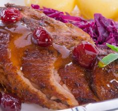 Roasted Duck with Cabbage Paleo Bacon, Roast Duck, Cabbage Recipes, Beef Steak, Mets, Tasty Dishes, Meatloaf, Stir Fry, French Toast