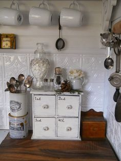Coffee / Cocoa corner... I like the little beadded collar on the marshmallow-filled apothecary...