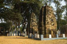 Pakbirra Jain Shrine of Purulia 03 - Jainism - Wikipedia, the free encyclopedia Wildlife, Environment, Architecture, Nature, Plants, Temples, Arquitetura, Naturaleza, Plant
