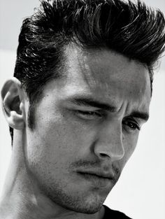 And of course, James Franco- the final part of the trifecta of gorgeous men to come out of Freaks and Geeks :)