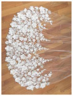 Floral Wedding Veil Venice Lace Veil Wedding One Tier # Weddings veils Floral Veil Wedding Dress With Veil, Wedding Veils, Wedding Dresses, Bride Veil, Perfect Wedding, Dream Wedding, Unique Wedding Hairstyles, Chapel Veil, Lace Veils