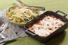 Chicken Parmesan & Bucatini Pasta with Fresh Mozzarella & Zucchini New Recipes, Dinner Recipes, Cooking Recipes, Bucatini Pasta, Healthy Snacks, Healthy Recipes, Fresh Mozzarella, Spring Recipes, Blue Apron