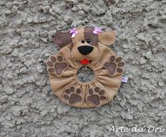"""Lens Pet Cachorrinha Lulu by """"Arte da Dri"""".    Confeccionada em feltro.    Pode ser confeccionada em outras cores."""
