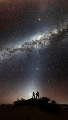 星空下的牵手, Holding hands under the stars, by Teatia. Sea Of Stars, Sky Full Of Stars, Under The Stars, Nature Photography, Photography Ideas, Milky Way, Far Away, Outer Space, Night Skies