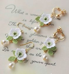 Crochet Bracelet Pattern, Crochet Jewelry Patterns, Crochet Cord, Thread Crochet, Crochet Accessories, Crochet Bookmarks, Bead Jewellery, Crochet Gifts, Crochet Flowers